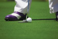 Free Person In White Pants Playing Golf Royalty Free Stock Images - 83022419