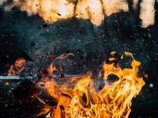 Free Burning Fire With Embers Royalty Free Stock Photography - 83025527
