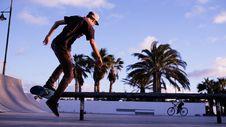Free Man Playing Skateboard During Daytime Stock Photos - 83025703