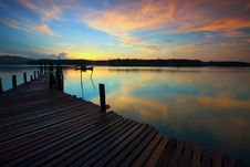 Free Brown Wooden Dock Royalty Free Stock Image - 83035386