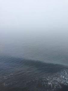 Free Fog Over The Blue Ocean Royalty Free Stock Photography - 83035857