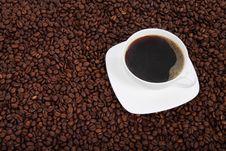 Free White Ceramic Mu Fill Of Coffee Stock Photo - 83036300