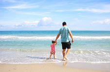 Free Man And Daughter At Beach Stock Images - 83038144