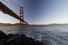 Free Golden Gate Bridge Over Water Royalty Free Stock Images - 83038159