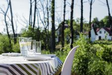 Free Table In Garden Royalty Free Stock Photo - 83038485