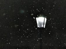 Free Snowy Morning Lamppost Royalty Free Stock Photo - 83041385