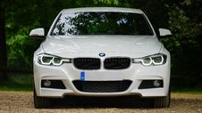 Free Front Of BMW Vehicle Royalty Free Stock Photography - 83057737