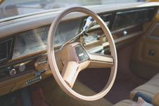 Free Yellow Car Steering Wheel Stock Image - 83058091