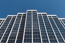 Free White And Blue High Rise Building Under Blue Sky During Daytime Stock Photography - 83058222