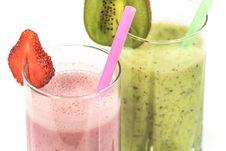 Free Strawberry Milkshake Beside Kiwi Shake Royalty Free Stock Image - 83059236