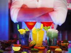 Free Selective Blur Of 2 Wine Glass And 3 Drinking Glass Royalty Free Stock Image - 83059446
