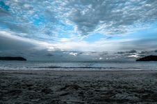 Free Gray Sand On Sea Shore Under Cloudy Sky During Daytime Stock Photography - 83059602