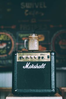 Free Black And Brown Marshall Guitar Amplifier Stock Image - 83059721