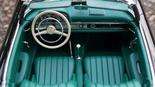 Free Vintage Mercedes Benz Sedan Royalty Free Stock Photo - 83061345