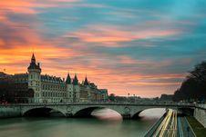 Free Bridge On Seine Stock Image - 83061731