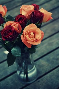 Free Roses In Vase Royalty Free Stock Images - 83061789