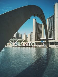 Free Arch Over Toronto, Canada Waterfront Royalty Free Stock Image - 83061946