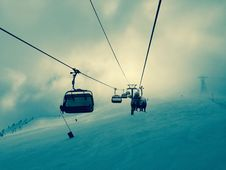 Free Chair Lift On Ski Slopes Royalty Free Stock Photography - 83061987