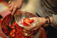 Free Fresh Strawberries In Bowl Stock Photos - 83062543