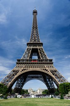 Free Worms View Of Eiffel Tower During Daytime Royalty Free Stock Images - 83062649