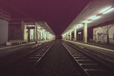 Free Empty Railroad Platform At Night Royalty Free Stock Image - 83062656