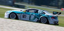 Free Teal And White Stock Car On Road During Daytime Royalty Free Stock Image - 83062936