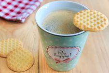 Free Cookies On Top White Ceramic Coffee Mug Royalty Free Stock Photos - 83063128
