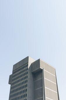 Free Modern Skyscraper Against Blue Skies Stock Image - 83063641