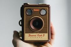 Free Vintage Brownie Camera Royalty Free Stock Photo - 83063885