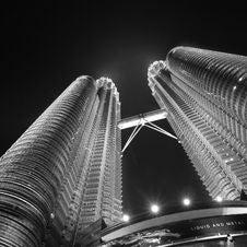 Free Petronas Twin Towers, Kuala Lumpur, Malaysia At Night Royalty Free Stock Image - 83064056