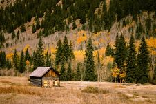 Free Cabin In Countryside Royalty Free Stock Photography - 83064977