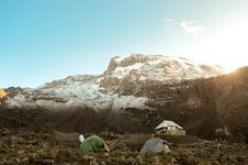 Free Tents On A Snow Covered Mountain Stock Photography - 83065382