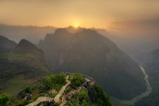 Free Sunset Over Mountain Path Royalty Free Stock Photography - 83065477