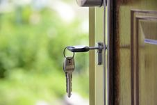 Free Black Handled Key On Key Hole Stock Photography - 83065572