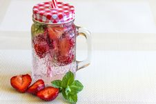 Free Strawberry Fruits Sliced In Half Near Clear Glass Container Royalty Free Stock Photography - 83065647