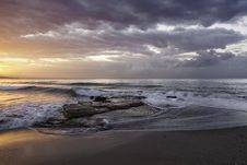 Free Ocean Wave Near Seashore Image During Sunset Royalty Free Stock Photography - 83066187