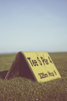 Free Tee 6 Par 4 328m Hcp 9 Royalty Free Stock Photography - 83066337