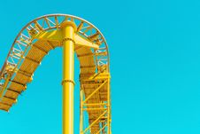 Free Yellow Steel Rollercoaster Rail Under Blue Sunny Sky During Daytime Stock Photography - 83066762