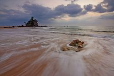 Free Sandy Beach At Low Tide Royalty Free Stock Photos - 83067408