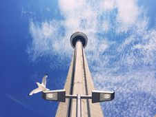 Free CN Tower Against Blue Sky Stock Images - 83067474