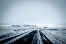 Free Winter Road Royalty Free Stock Photography - 83067647