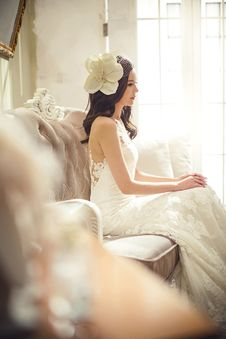 Free Woman In White Floral Wedding Dress Stock Photography - 83067752