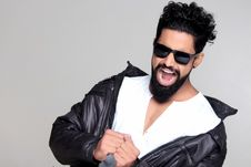 Free Black Haired Man Wearing Black Sunglasses And Black Leather Jacket Royalty Free Stock Images - 83067769