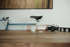 Free Camera And Smartphone On Desk Stock Images - 83067924