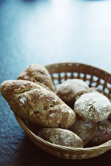Free Brown Bread On Brown Woven Basket Stock Photography - 83074032