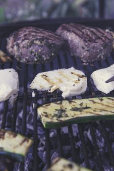 Free Green Grilled Sliced Cucumber On Black Grill Stock Photo - 83074130