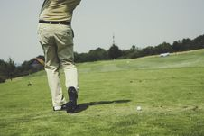 Free White Golf Ball On Field Royalty Free Stock Image - 83074176