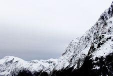 Free Snow Capped Mountain Peaks Royalty Free Stock Photos - 83074988
