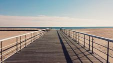 Free Wooden Beach Path Royalty Free Stock Photo - 83075085