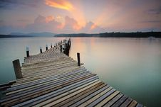 Free Wooden Pier At Sunset Royalty Free Stock Image - 83075136